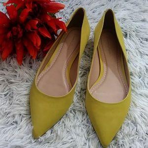Massimo Matteo yellow pointed toe flats 7 m